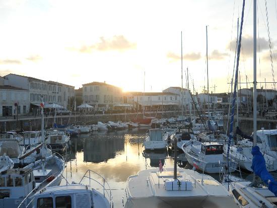 Hotel du Port : 夕方のお散歩に最高