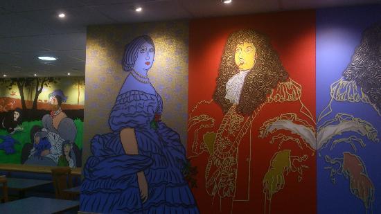 Hotel Roi Soleil - Amneville: décor à la Andy Warhol ...