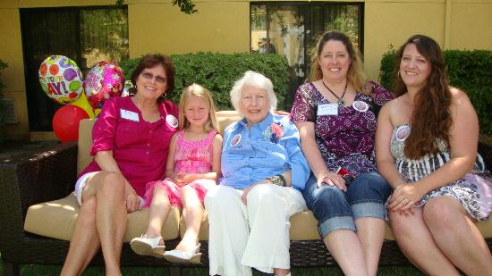 Courtyard Vacaville: 5 generations pose in the courtyard