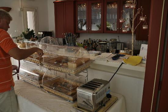 Stelia Mare Boutique Hotel: Part of breakfast buffet