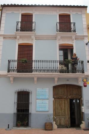 Casa Arizo: Enjoying the balcony