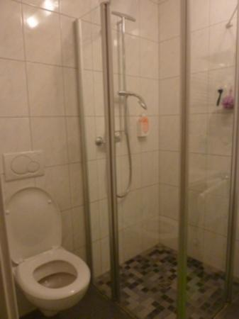 Motel Fuessen : Bathroom