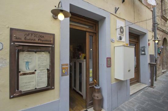 Ingresso ristorante picture of officina della cucina popolare colle di val d 39 elsa tripadvisor - Officina di cucina genova ...