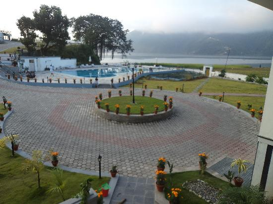 Waterfront Resort Hotel: view from my room early in the morning