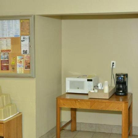 Ivory Tower Motor Inn Greenbrook: Coffee in the lobby in the morning