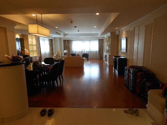 Centre Point Hotel Silom: 入口からの眺め