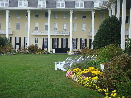 Congress Hall - Back of the Hotel grounds