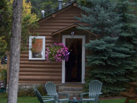 Bear Hill Lodge: Heritage Log Cabin