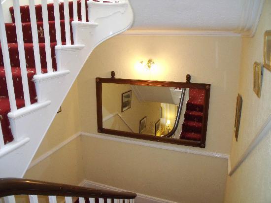 Britannia Guest House: Hallway