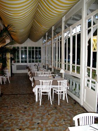 Salle A Manger Veranda Picture Of Hotel Des Pins Lege Cap Ferret