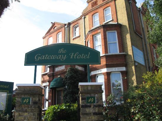 The Gateway Hotel: Main building of Gateway Hotel