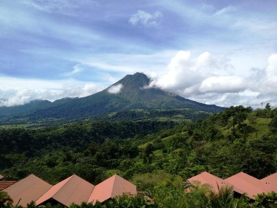 ‪‪The Springs Resort and Spa‬: Stunning view of the Arenal Volcano from hotel