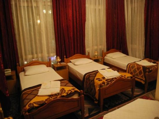 Hotel Pik Loti: Triple Room