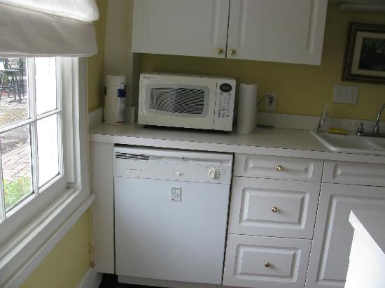 Palmer Home Bed and Breakfast: Carriage House Kitchen