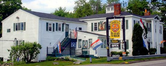 Waldoboro, ME: Museum located 3 miles north of Moodys Diner