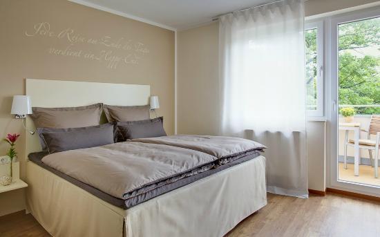 Hotel Klein & Fein Bad Breisig: Doppelzimmer Standard. Hochwertige Boxspringbetten in jedem Zimmer