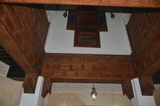 Restaurant dar hatim: internal decor