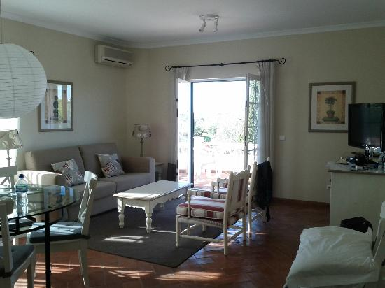 Cegonha Country Club: T1 flat - living area