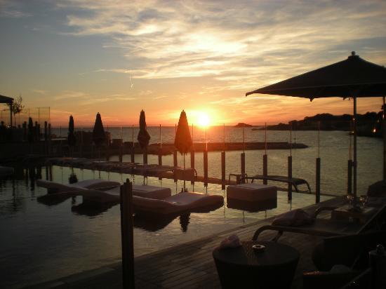 Pretty bandol harbour photo de h tel ile rousse thalazur for Hotels ile rousse
