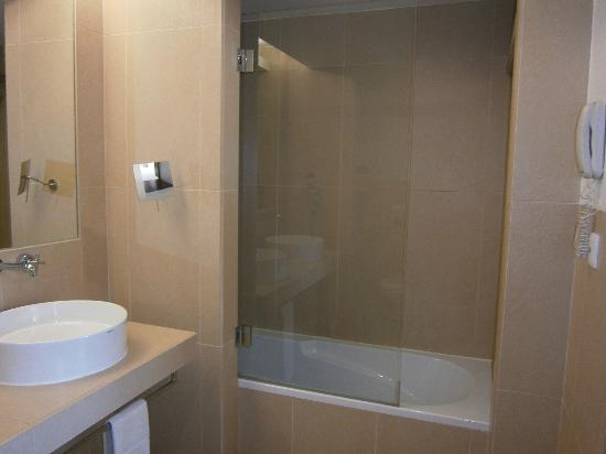 Sao Rafael Suites: Shower Room with wc
