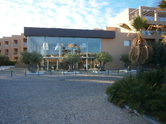 São Rafael Suites: Front of Hotel