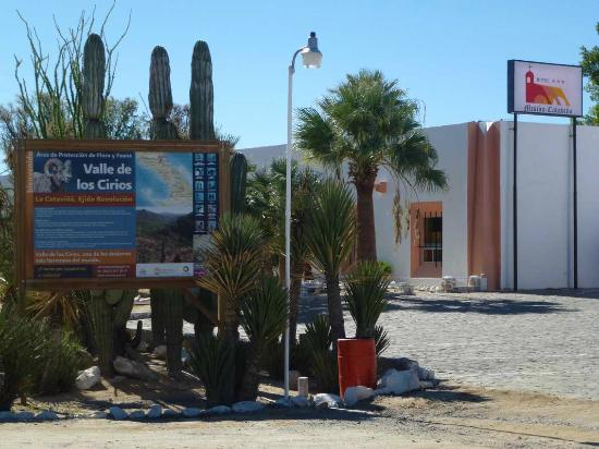 Hotel Mision Catavina: Ansicht von der Panamericana aus