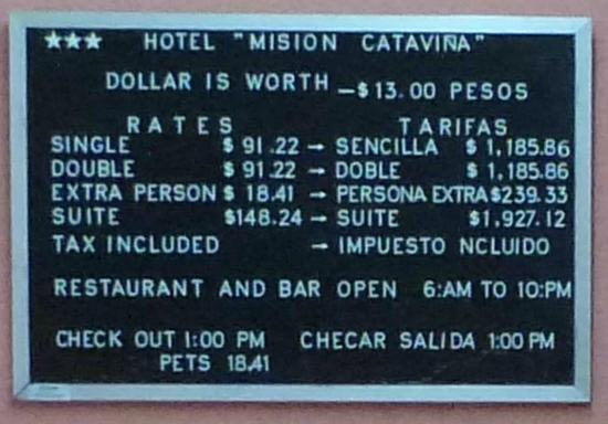 Hotel Mision Catavina: Preistafel in pesos/dollars Okt. 2012