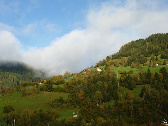 MAVIDA Wellnesshotel & Sport Zell am See : Blick auf die Berge vom Balkon