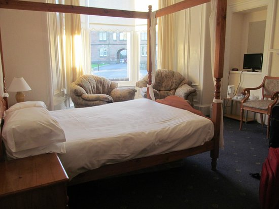 Ardross and Glencairn Guesthouse: Room