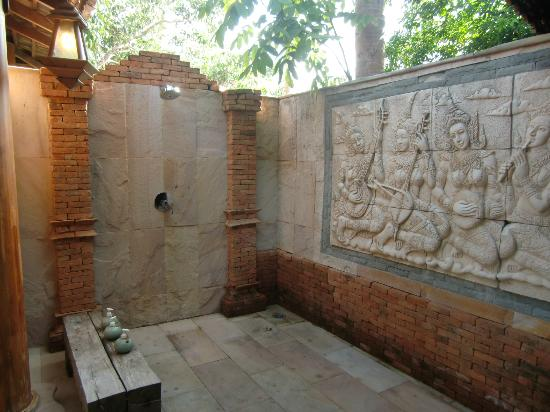Santhiya Koh Phangan Resort & Spa: OUTDOORS BATHROOM!