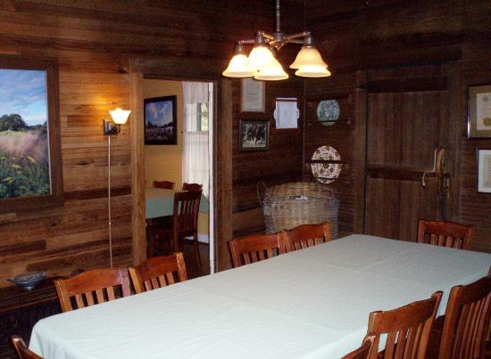 The Lodge on Little St. Simons Island: Lodge dining room
