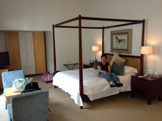 Cape Cadogan: What a wonderful room, all mine!!!
