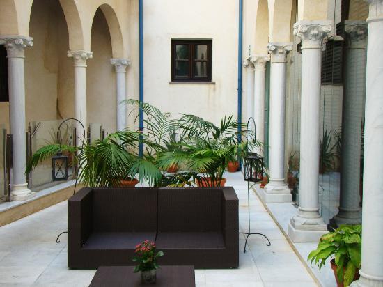 Hospes Palacio del Bailio: patio interior