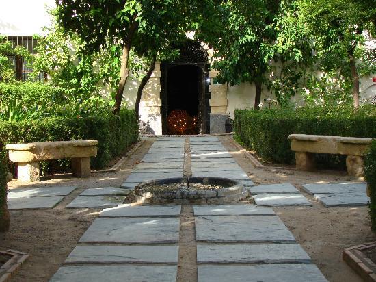 Hospes Palacio del Bailio: patio exterior