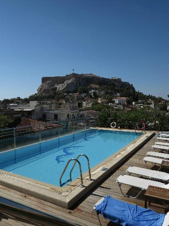 Electra Palace Athens: View from pool restaurant/bar