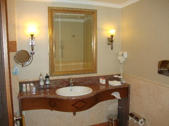 Electra Palace Athens: Suite Bathroom