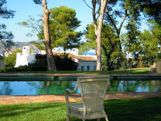 Hotel El Rodat: Piscina y jardines