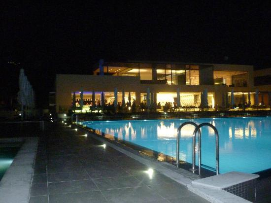 TesoroBlu Hotel & Spa: Hotel at night
