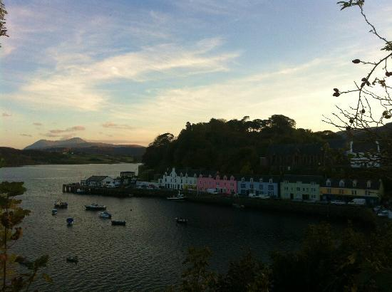 Conusg Bed and Breakfast : Portree Harbour