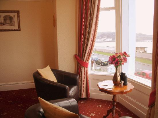 Britannia Guest House: Bay Window View