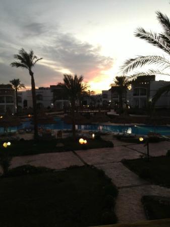 Gardenia Plaza Resort: Gardenia at sunset