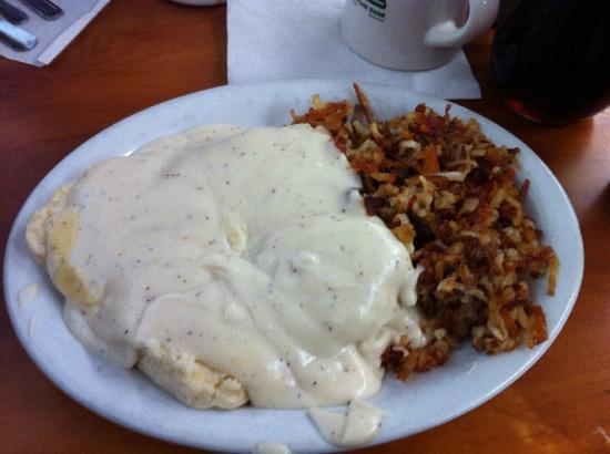 Grizzly Manor Cafe: biscuits and gravy
