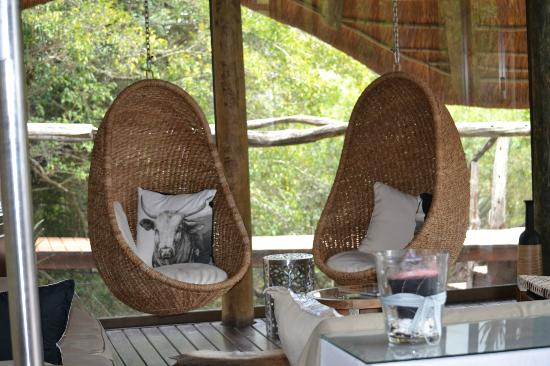 Shamwari Game Reserve Lodges: Relaxing area in Bayethe