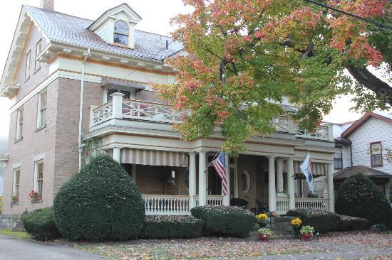 The Witherup House: Front facade