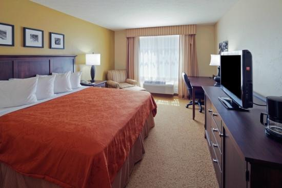 Country Inn & Suites by Radisson, Dover, OH : Standard King