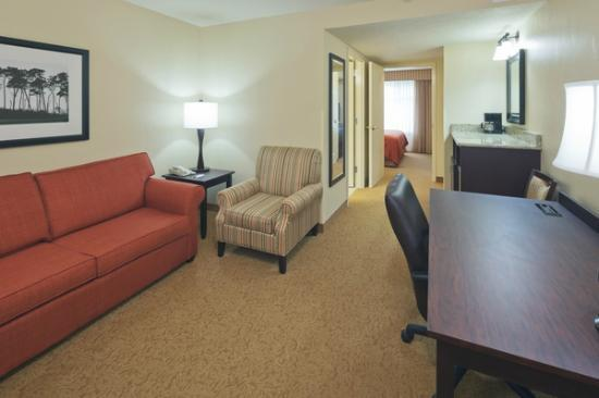 Country Inn & Suites by Radisson, Dover, OH : Executive Suite