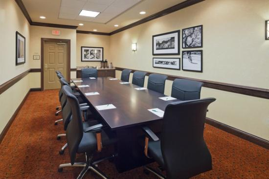 Country Inn & Suites by Radisson, Dover, OH : Board Room