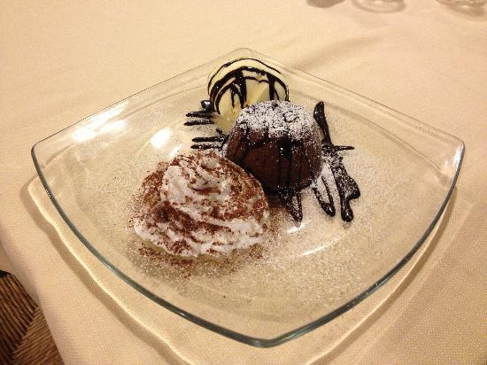Trattoria La Tavernetta: Tortino caldo al cioccolato fondente