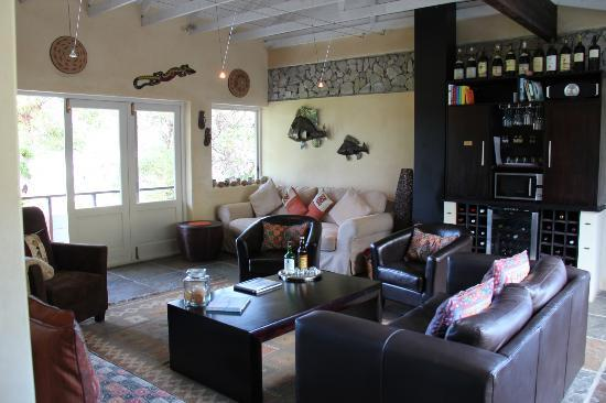 هيرمانوس لودج أون ذا جرين: Guest lounge, overlooking the golf course