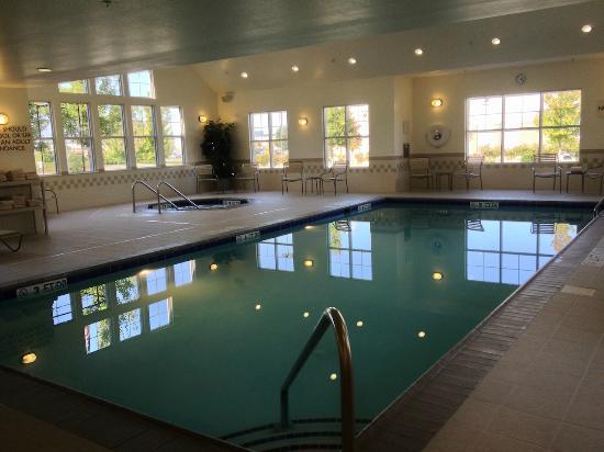 Residence Inn Fredericksburg : Pool Area